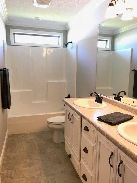 21-barrett-lane-second-bathroom