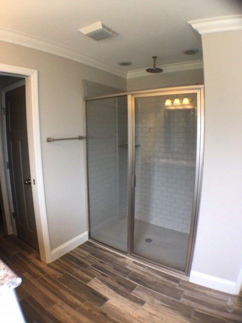 29-barrett-lane-master-shower