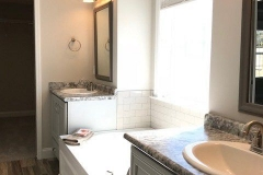 29-barrett-lane-master-bath-tub